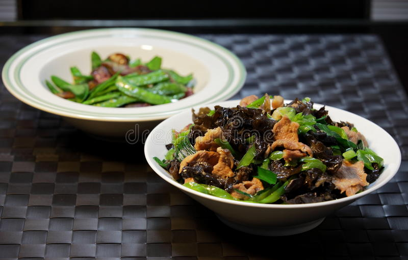 Rebanadas fritas comida-hongo chino del cerdo fotos de archivo libres de regalías