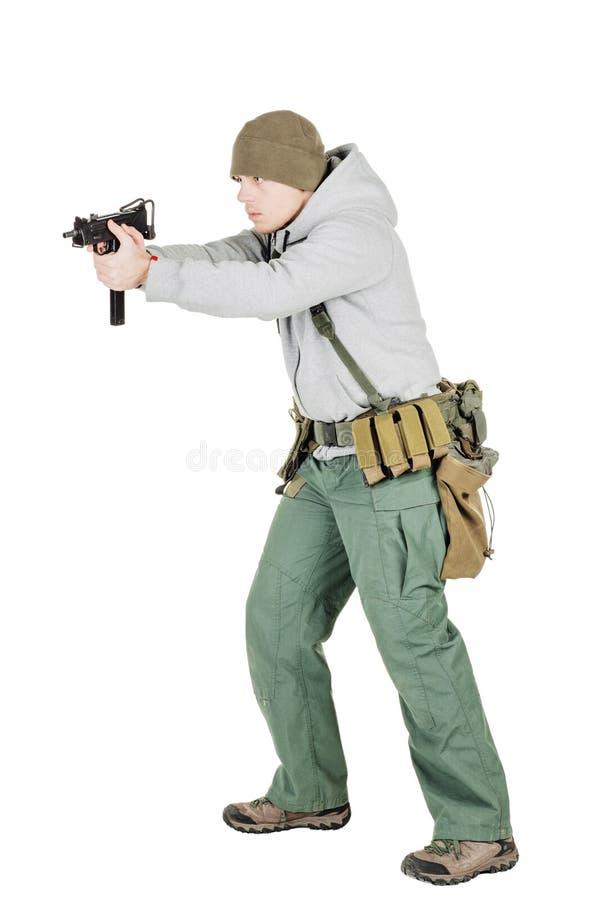 Rebellen of privé militaire contractant die zwart kanon houden oorlog, wapen stock afbeeldingen