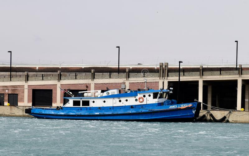 Rebocador de Chicago River Icebreaking fotografia de stock royalty free