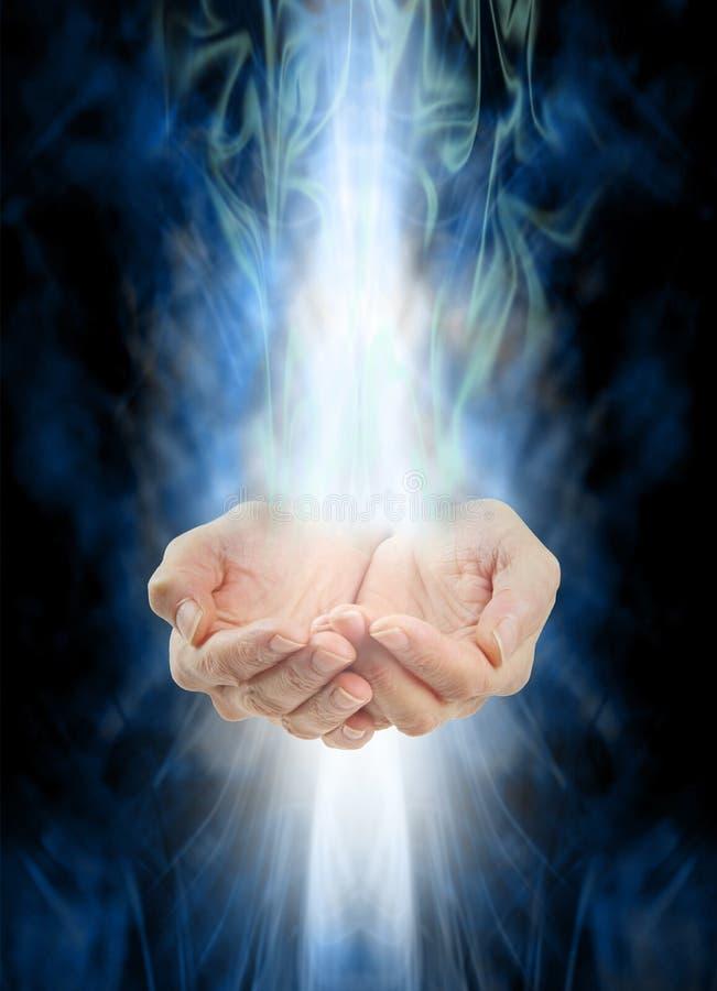 Recebendo a energia cura imagens de stock royalty free
