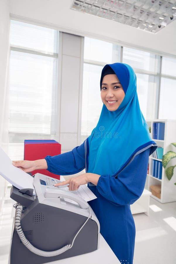Recebendo o fax foto de stock