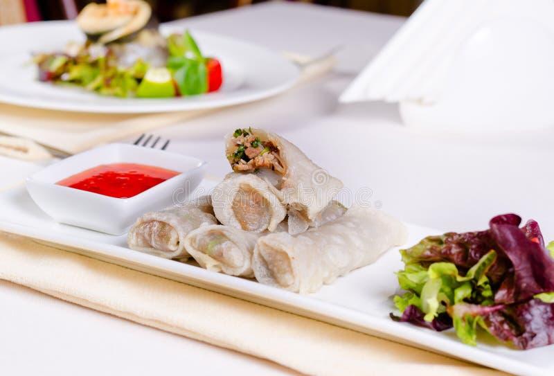 Receita asiática deliciosa do rolo de mola foto de stock