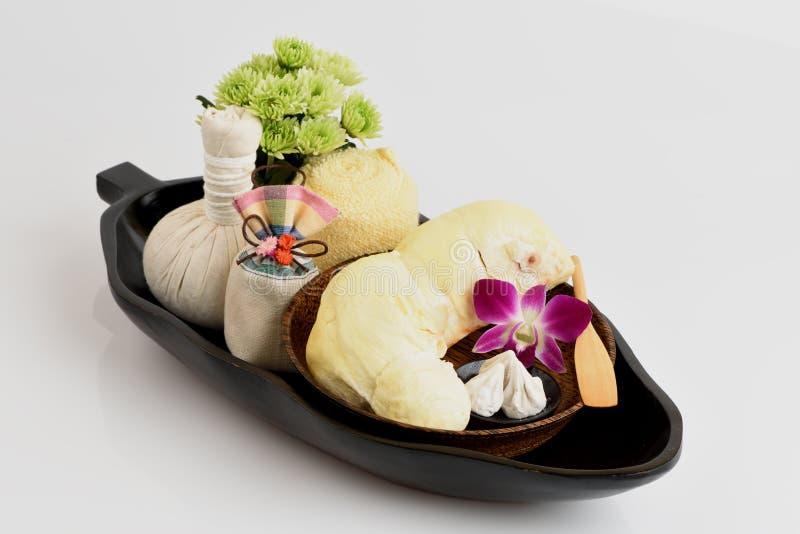 Receitas faciais da máscara da acne com fruto do Durian e carbonato de cálcio foto de stock royalty free