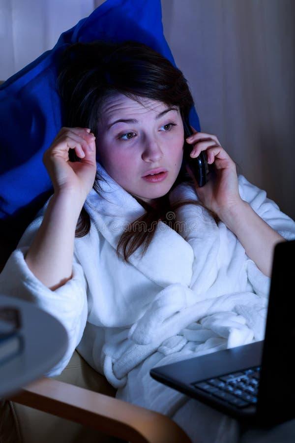 Recent telefoongesprek stock fotografie