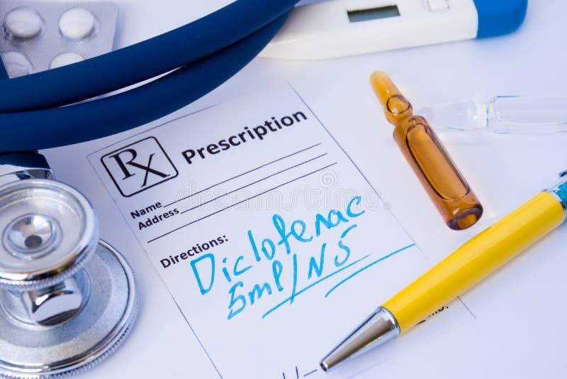 Recept uit anti-inflammatory medicijn Diclofenac in vorm van Internationale Niet-eigendoms Naam INN of soortnaam i wordt geschrev royalty-vrije stock foto's