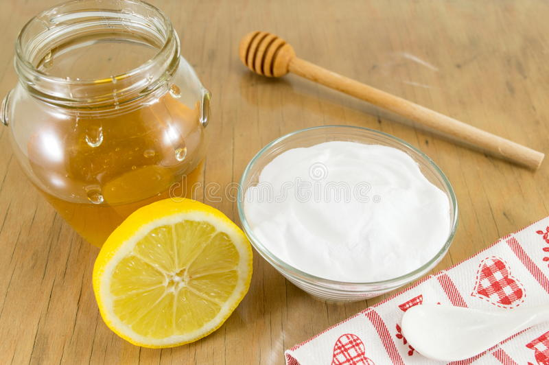 Receta de la dieta: bicarbonato, limón y miel de sosa fotos de archivo