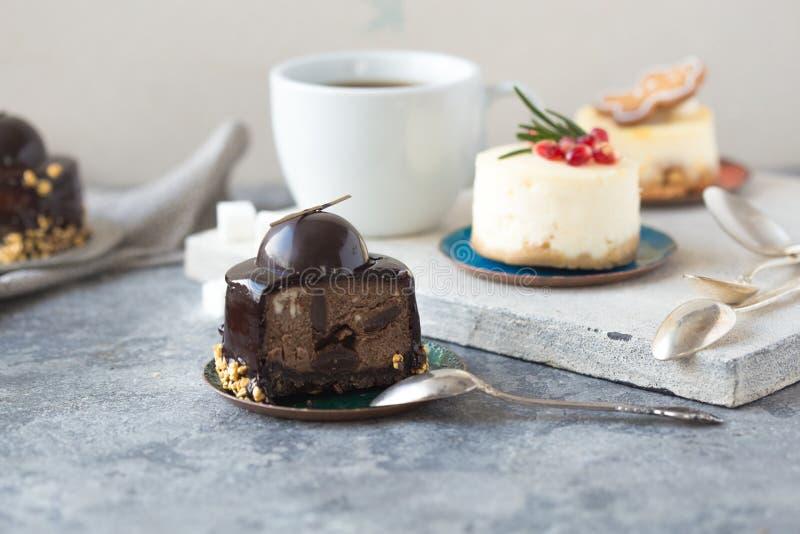 Receta tradicional de la torta del invierno del pastel de queso de la Navidad Rebanada del pastel de queso imagen de archivo