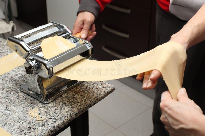 Recette de gâteau italien de chiacchiere ou de milk-shake photo stock