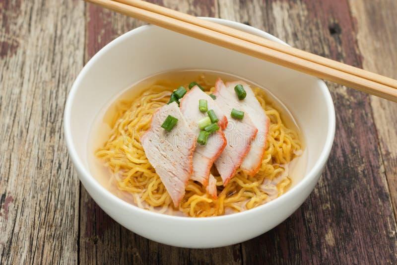Recette de soupe de nouilles de porc photographie stock libre de droits