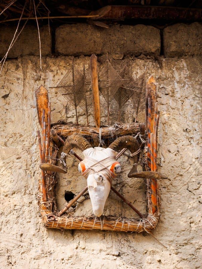 Receveur animiste traditionnel d'esprit, Népal image libre de droits