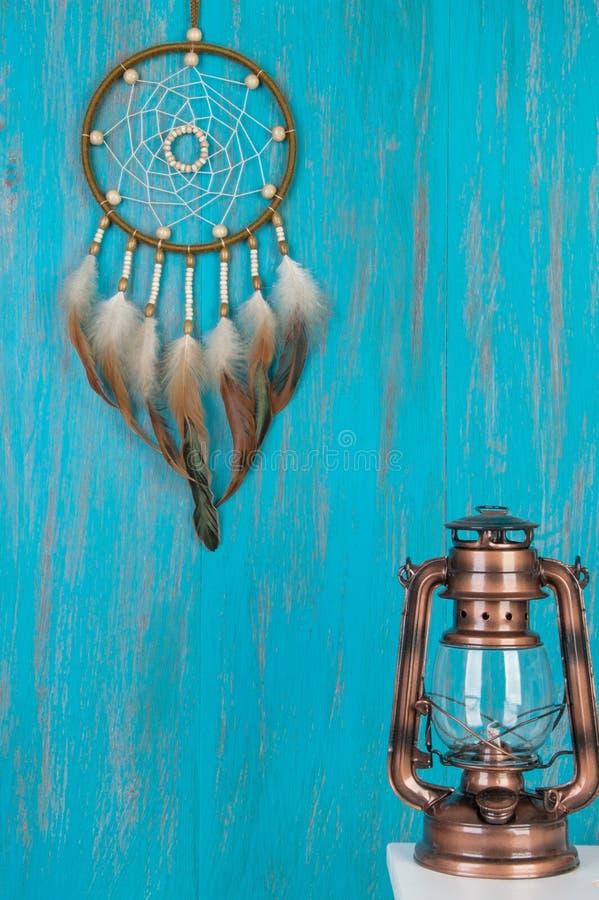 Receveur rêveur olive sur le bleu photographie stock libre de droits