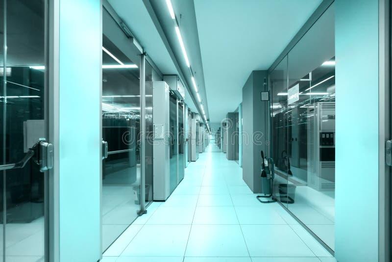 Rechenzentrumkorridor, Technologiekonzept stockbilder