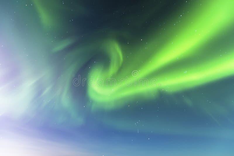 Recherche dans les lumières du nord images stock