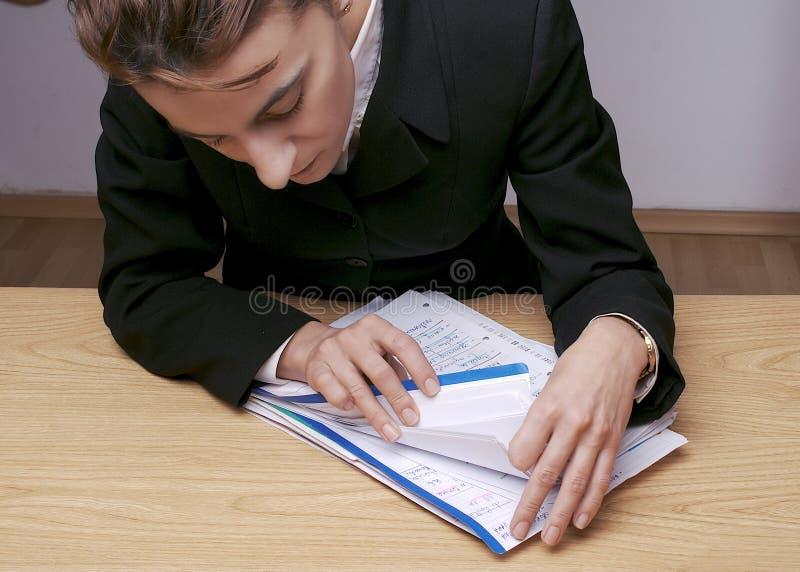 Recherche des documents 3 image stock