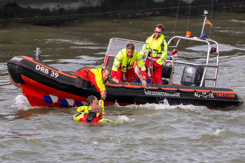 Recherche et bateau de sauvetage photos stock