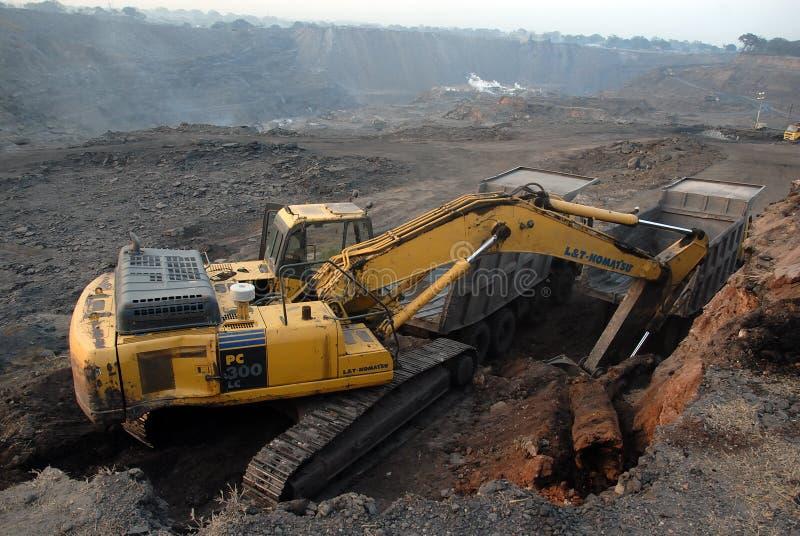 Recherche nach der Kohle lizenzfreies stockbild