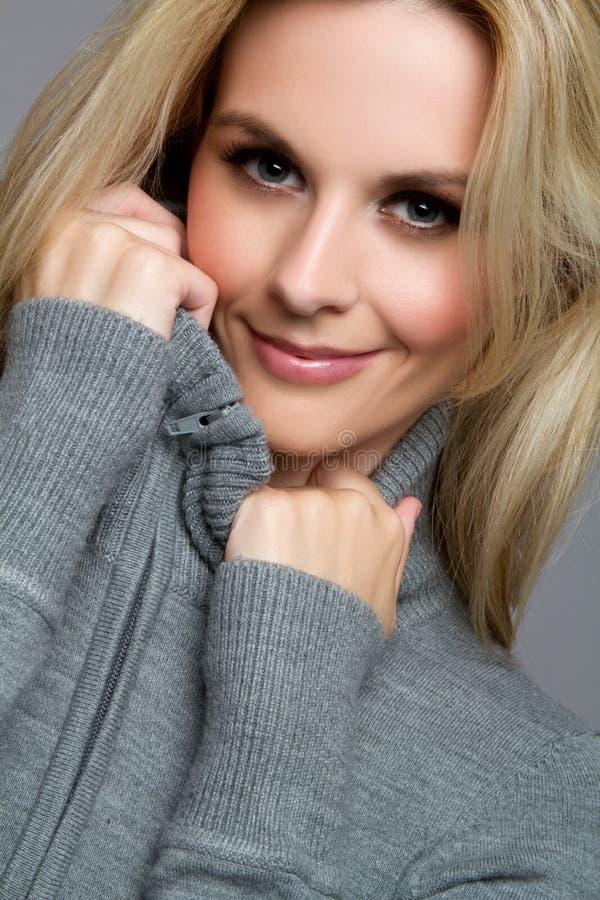 Recht blonde Frau stockfotos