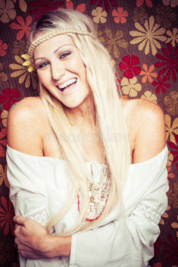 Recht blonde Hippie stockbild
