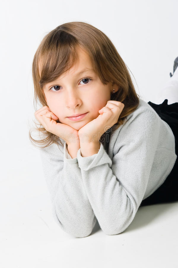Recht kleines Mädchen stockfoto