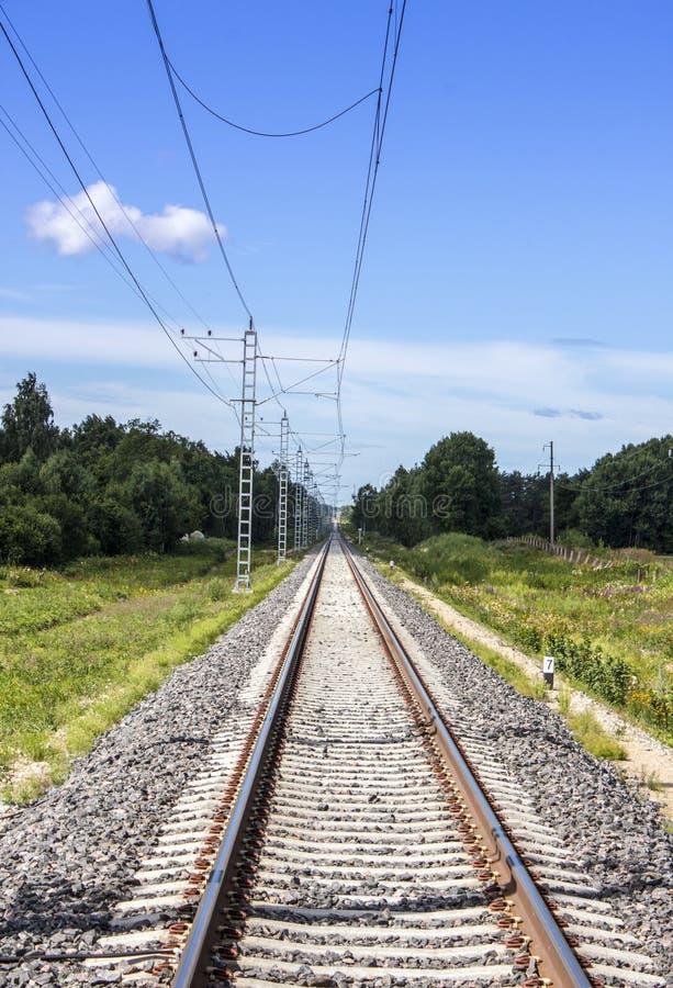 Rechte elektrische spoorweg royalty-vrije stock foto's