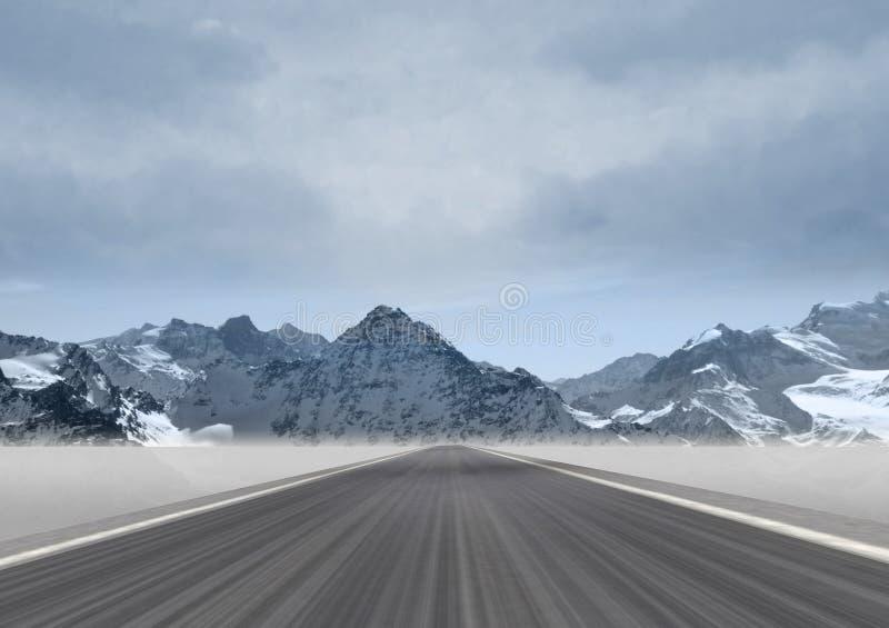 Rechte weg in het berglandschap stock afbeeldingen