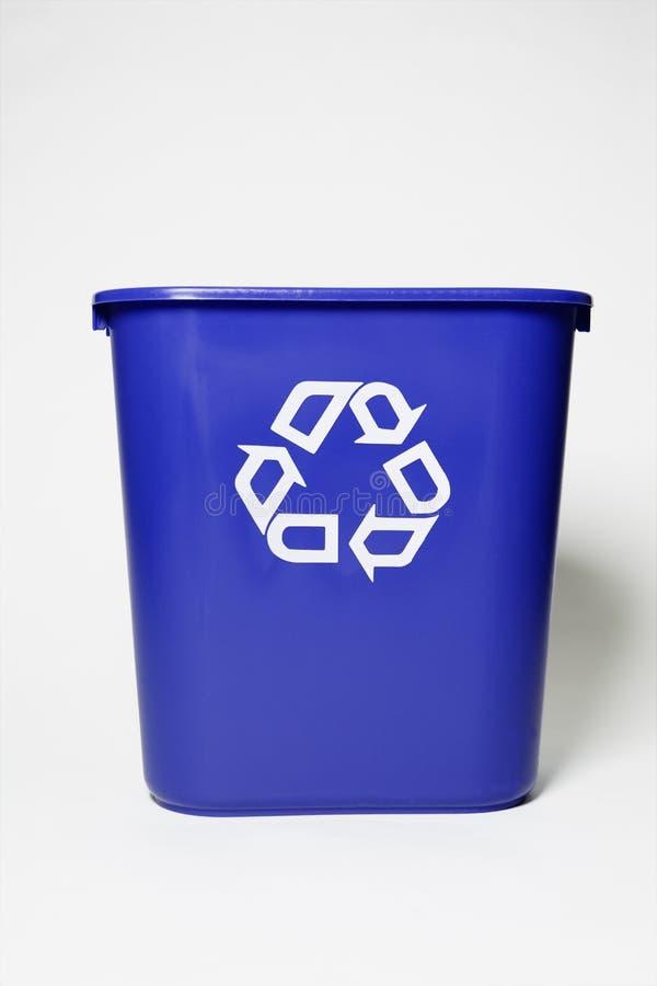 Recicl a cesta fotografia de stock royalty free