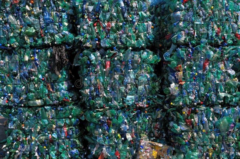 Recicl verde do plástico fotografia de stock royalty free