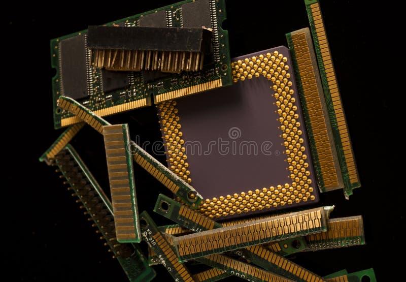 Reciclagem de resíduos eletrônica das peças velhas do computador imagem de stock