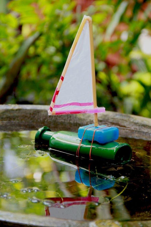 Reciclaje del juguete de los niños imágenes de archivo libres de regalías