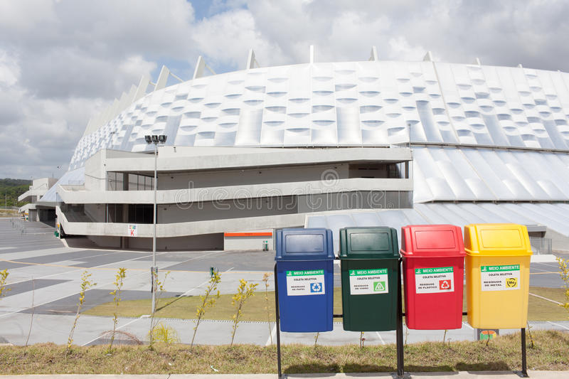 Reciclaje durante el mundial en el Brasil fotografía de archivo libre de regalías