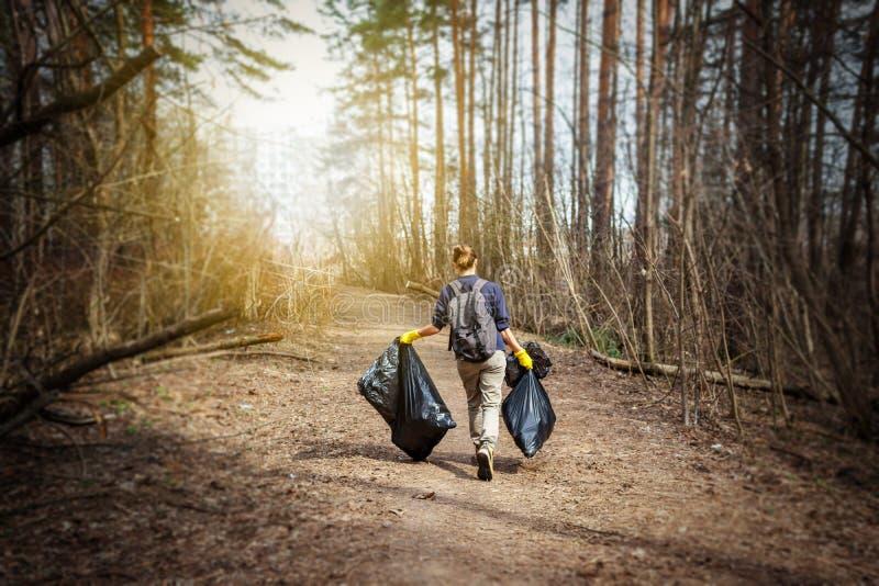 Recicle el entrenamiento limpio de la litera de los desperdicios de la basura de los desperdicios inútiles de la basura fotografía de archivo