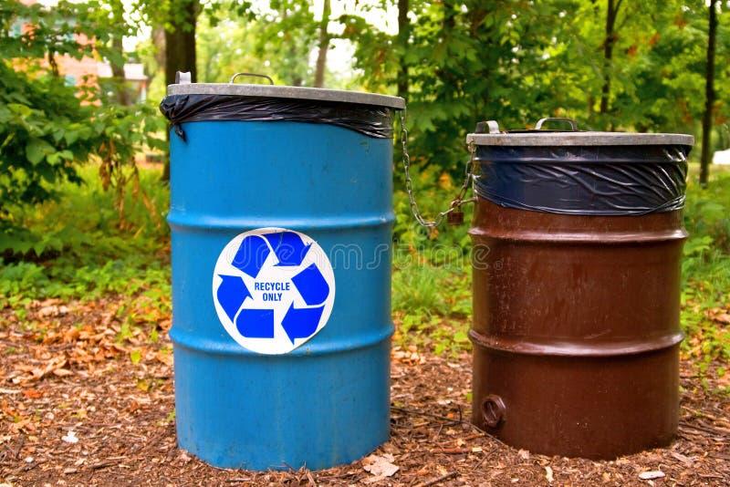 Recicle puede fotos de archivo