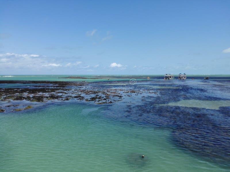 Recifes da praia de Seixas imagens de stock