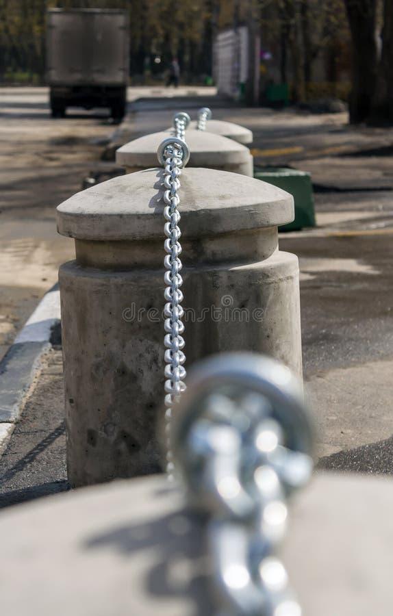 Recinto concreto sotto forma di bitte concrete fotografia stock