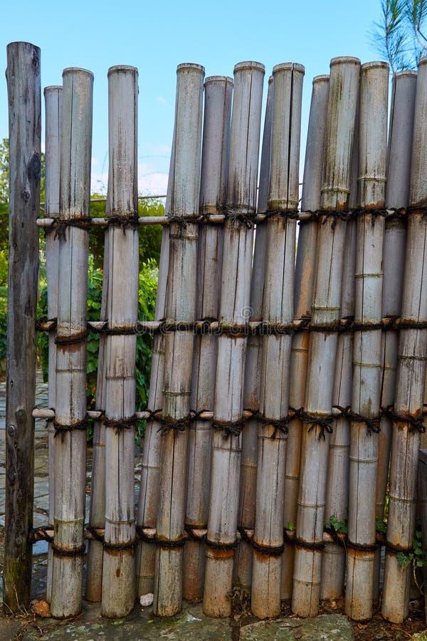 Recinto del bambù del giardino immagini stock libere da diritti