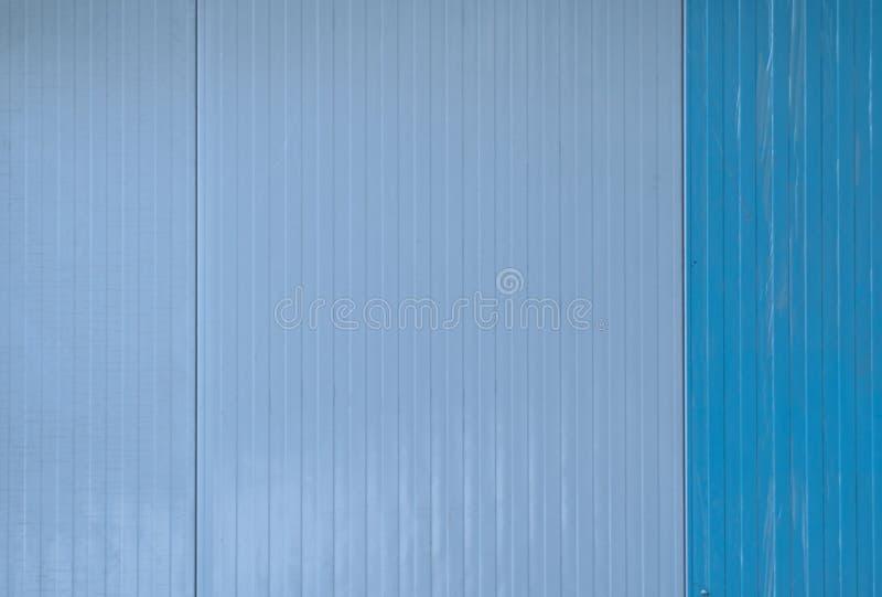 Recinto del metallo di colore blu con ruggine fotografia stock
