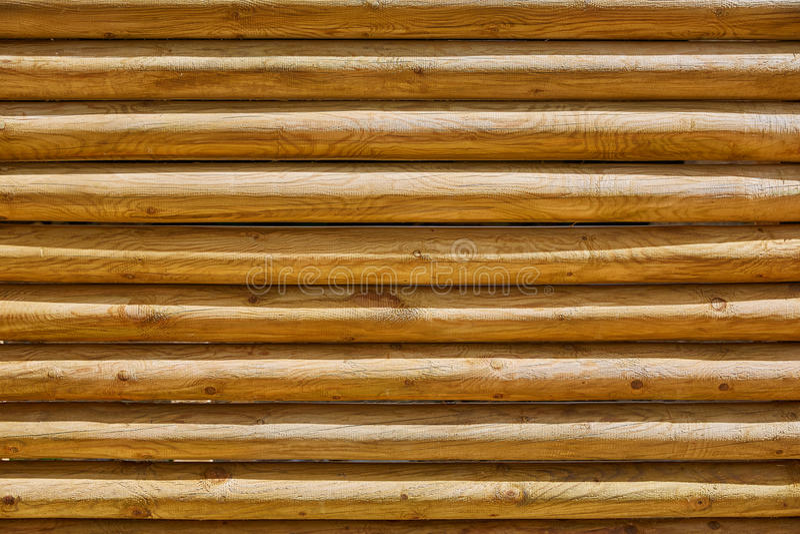 Recinto dell'impilato di intorno al modello di legno dei tronchi fotografia stock