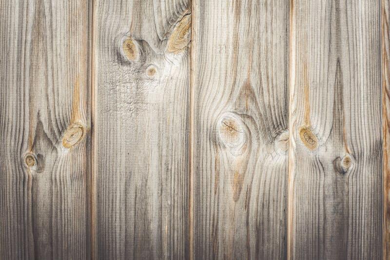 recinto di legno con il fondo grigio di legno della corteccia della plancia rustica, fondo astratto fotografia stock