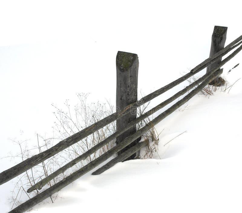Recinto di legno sull'inverno fotografia stock
