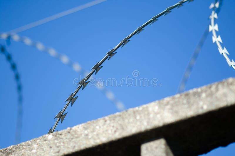 Recinto per il confine con cemento armato immagine stock