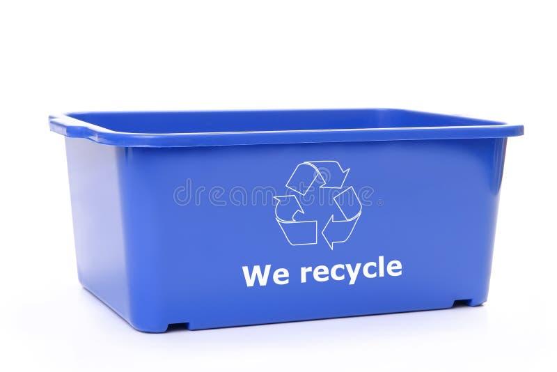Recipiente plástico azul da eliminação imagens de stock royalty free