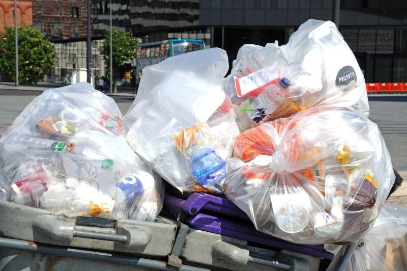 Recipienti dei rifiuti, Liverpool fotografie stock