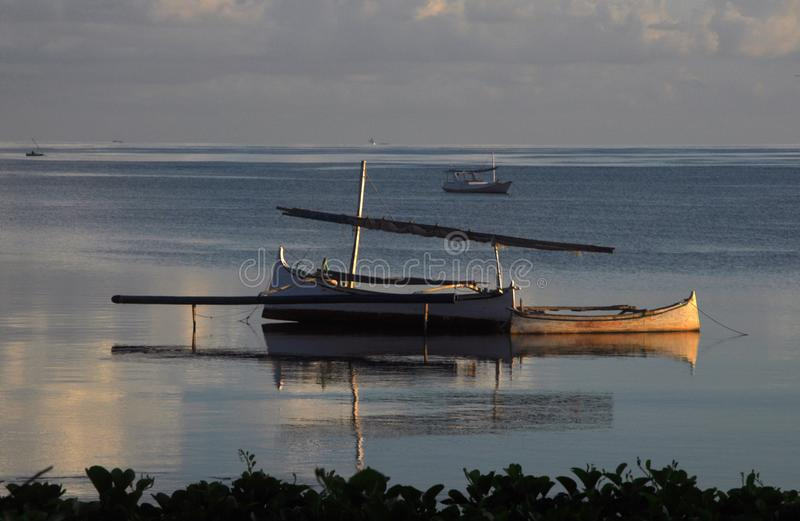 Reclinación tradicional de los barcos de pesca fotografía de archivo