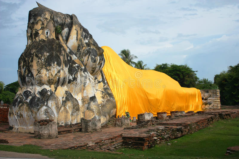 Download Reclining Buddha Wat stock image. Image of kingdom, cloth - 20768313