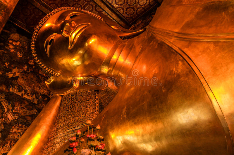 Reclining Buddha Within The Wat Pho Royalty Free Stock Photography