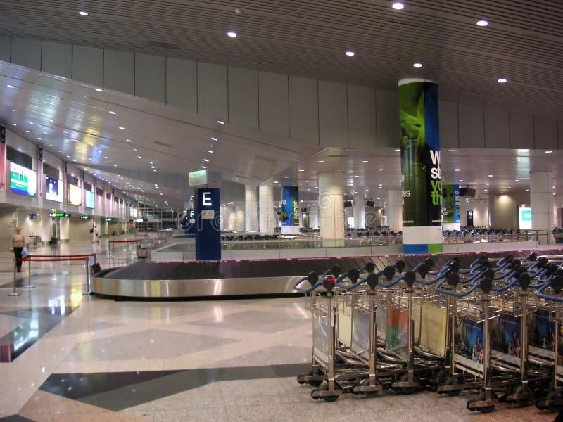 Recolección del bagaje del aeropuerto fotografía de archivo libre de regalías