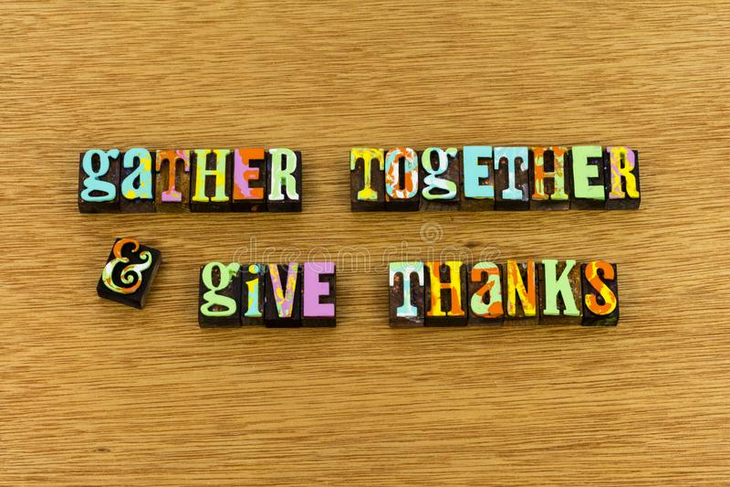 Recolha junto para dar a tipografia da alegria dos agradecimentos foto de stock