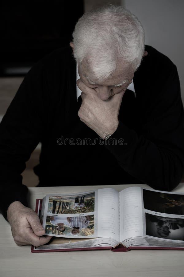 Recollecting mężczyzna zdjęcie stock