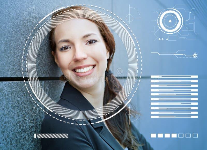 Reconhecimento de cara da mulher de negócios pelo AI foto de stock royalty free