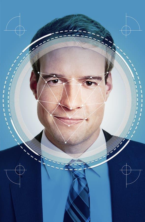 Reconnaissance des visages d'AI de jeune homme d'affaires photo stock